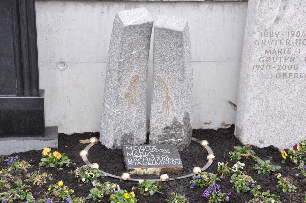 Bildhauerei-Grabzeichen-H